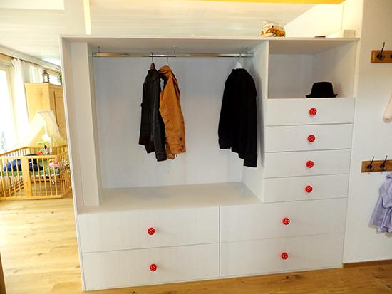 Garderobenschrank-weiss