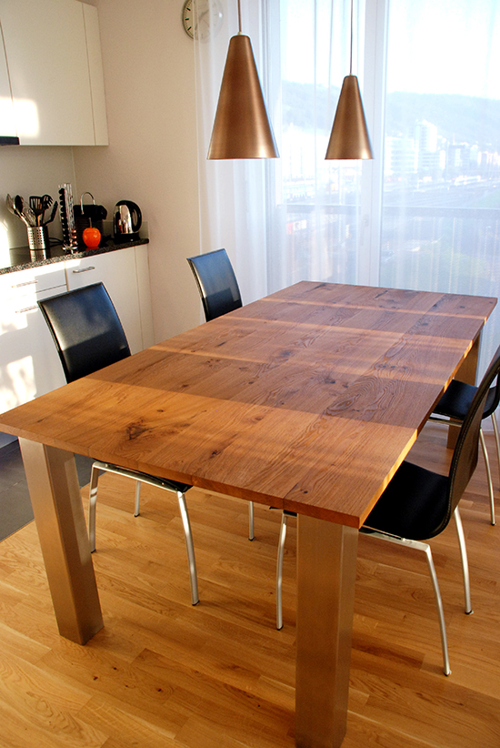 Tisch-1